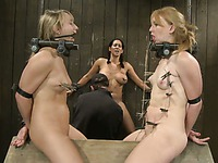 Jessie Coxxx gets punishes face top face with another slave girl on the doghouse