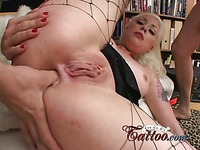 Tattooed blonde Lorelei Lee in fishnets gets filled with two stiff dicks at once