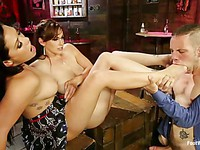 Foot fetish threesome with a lucky dude, Bella Rossi and London Keyes all horny as hell