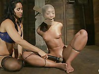 Stunning models Isis Love and Skin Diamond wanna use those sex toys to get off.