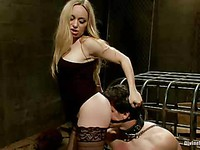Fetish chick Aiden Starr showing her slave a good time while teasing and roughly stimulating him.